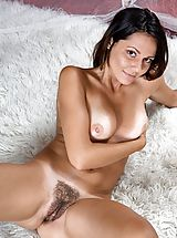 Tan.Lines Pussy: Chiara - Magic Carpet