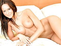 Sexy Babe, Kendra caresses her tone sexy body