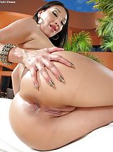 Unclothed Horny Babe 936 Vicki Chase unveils those god given chest