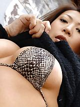 Labia, Asian model Jun likes to show off her ass