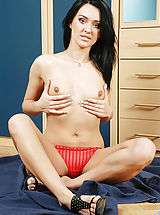 Anilos Pussy: Absolutely beautiful mature cougar pleasures her pussy with a long vibrator