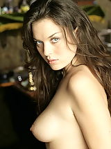 WoW nude betcee irresistible women