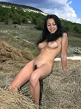 Outdoors Pussy: Beata