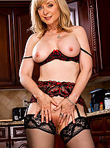 Horny Babe, Nina Hartley