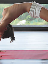 Babes Pics: Watch sexy cutie Caprice do yoga in the nude X-Art style!