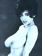 Vintage Babes: This Vintage 60s Busty Model's Nude Pictures Enslaved Lots of Men in USA and Now You Can Enjoy these Breasts Too