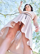 UpSkirts Babes: Soraya Spread for the Workers