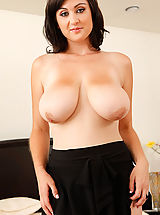 Big.Tits Pussy: Beverly Paige