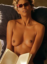 Celebrity Babes: Halle Berry