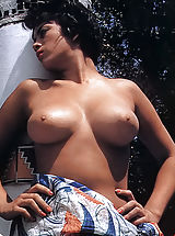 Vintage Babes: Blast from the Past Cuties