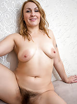 Anilos Pussy: Ginger_love - Hot mom with a big round booty shows off her soft furry twat