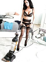 Veronica Avluv Breathtaking Slut exposes her uncovered boobies, draws down her panties and spreads her thighs and hand fucks her wet crack