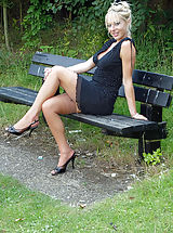 Michelle Manzer loves getting her sexy body and vintage nyloned legs out and about, flashing at her local park for the pleasure of onlookers...