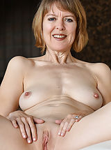Huge Labia, Her Mature Style