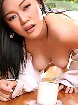 Mature Babes, Asian Women ma yu jie 04 kitchen milky tits