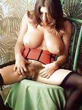 Stockings Pussy: Old Fashioned Nymphos
