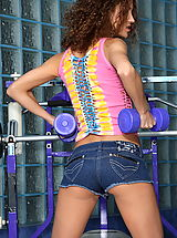 Jeans Pics: juliette shyn 02 real pussy in gym