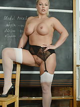 blonde pussy, Miss Cox
