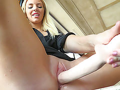 Pussy Video, Katie