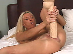 Stunners, Megan drills pussy with dildo