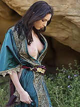 Bare Maidens Pics: WoW nude carlotta medieval clothing