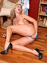 Anilos Pics: After stripping Anilos Jodi West gets her fave dildo and fucks her experienced pussy