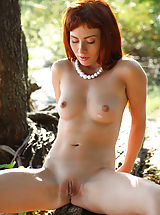 Redhead Renata is truly superb in her outdoor show