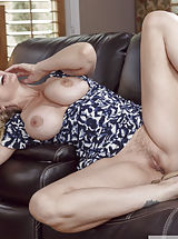 Milf Babes: Julia Ann,Logan Long