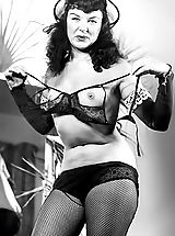 Vintage Babes: Blast from the Past Erotic