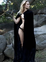 Fantasy Babes: WoW nude gadriella druid of druids