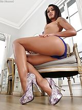Virtual Babe, Amazing Girl Set No. 1025 Skin Diamond opens her sweet slit