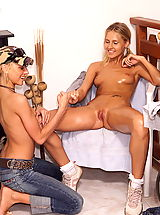 Lesbians Pics: zuzana 01 wide stretched pussy