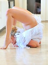 FTV Girls Pics: Jessica the beautiful contortionist