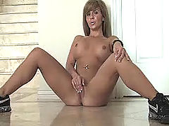Naked Babe, Patricia fucks her new toy